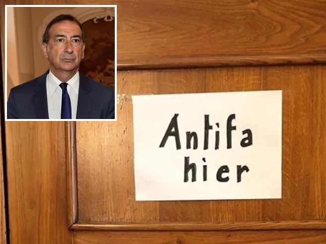 «Qui abita un antifascista» La replica personale del sindaco Sala   alla scritta<a href=