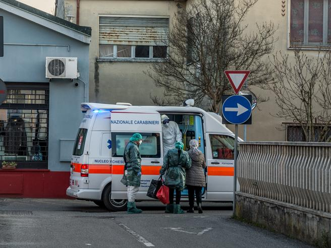 Coronavirus in Lombardia, si allarga la zona rossa: contagiato un 17enne in Valtellina