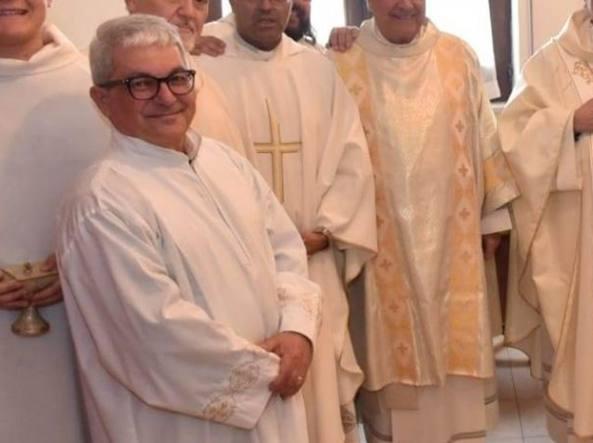 Mimmo Crea durante una celebrazione in parrocchia: era ministro straordinario dell'Eucaristia