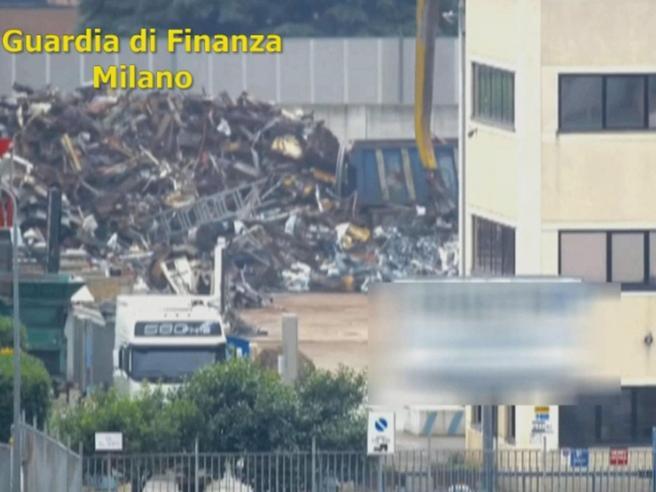 Milano-Zagabria-Budapest, scoperto maxi-traffico di rifiuti: 14 arresti