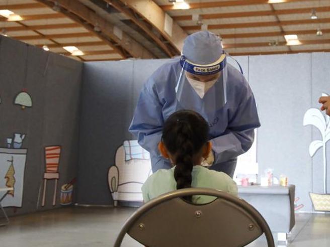 La bambina di 4 anni prigioniera del virus: «Tamponi positivi da quattro mesi»