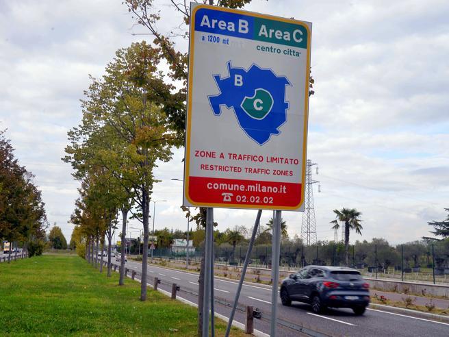 Milano, Sala: su Area B probabile marcia indietro, ma non per Area C
