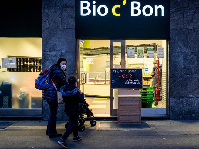 Bio C' Bon chiude tutti i supermercati di Milano: «Cento dipendenti senza lavoro»