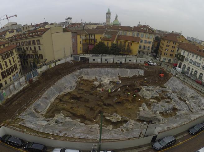 Via Zecca Vecchia a Milano, maxi scavo archeologico scoperto sotto l'ex garage Sanremo