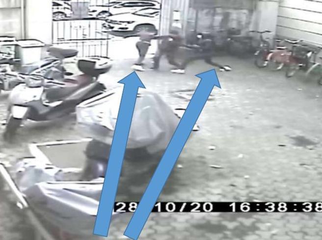 Rapine violente a coetanei per bici o cellulari, arrestati quattro minori