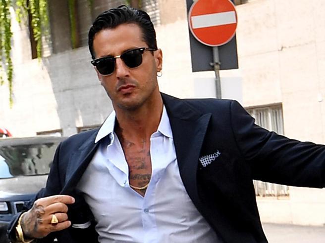Fabrizio Corona esce dal carcere e torna alla detenzione domiciliare