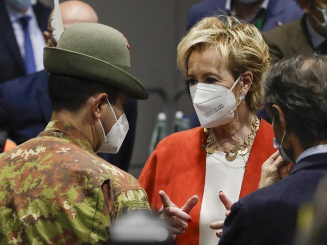 Vaccini Covid, Moratti: «Figliuolo favorisca le regioni che rispettano i target»