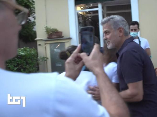 Maltempo, a Laglio il fango raggiunge la villa di George Clooney. Lui: «È peggio di quello che pensavo»