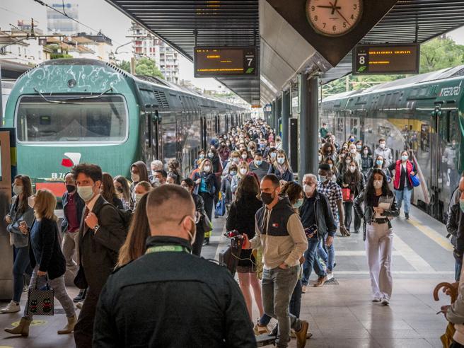 Trenord, sciopero treni in Lombardia domenica 24 ottobre: nessun servizio minimo di garanzia