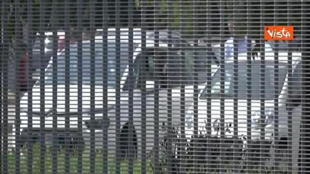 Roberto Formigoni esce dal carcere di Bollate, andrà ai domiciliari
