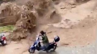 Torrente esonda a Cernobbio, il motociclista salvo per un soffio