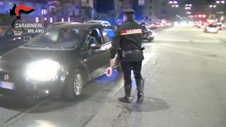 Pestaggi e rapine fuori dai locali: presi i banditi della movida a Milano