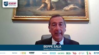 Sala: «Milano sia il modello della rivoluzione verde per il Paese»