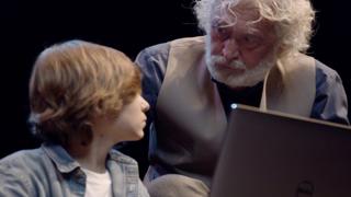 Malpensa, un video d'autore mette in guardia contro le truffe agli anziani