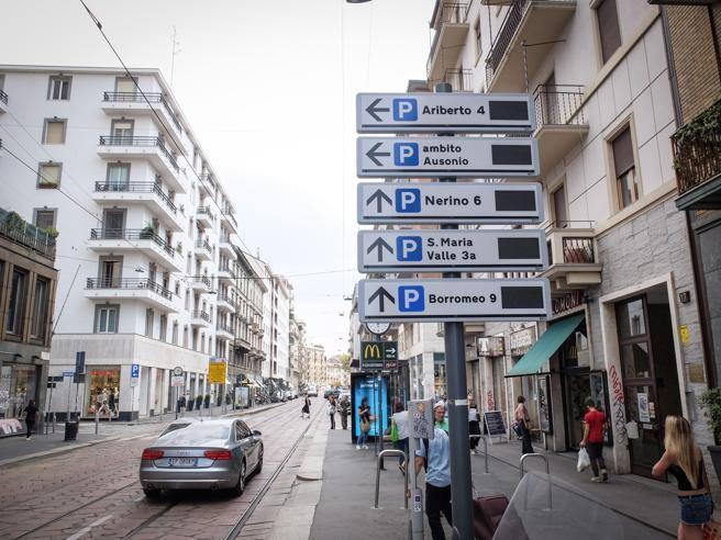 Milano il progetto infinito della segnaletica hi tech per for High tech milano