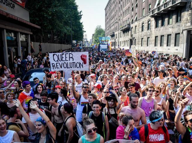 «Gay Pride Milano 2019», record alla sfilata arcobaleno. Gli ...