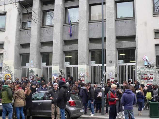 Eduscopio, le pagelle alle scuole di Milano. Successi più duraturi quando si boccia meno - Corriere della Sera