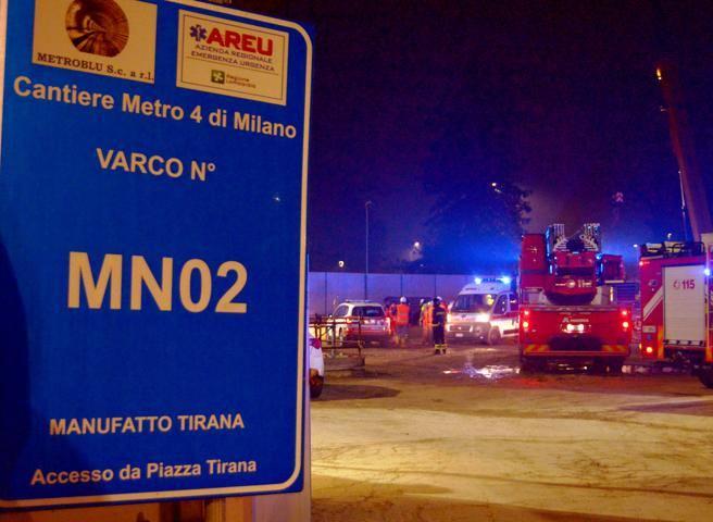 Semisepolto a 18 metri di profondità nel cantiere M4, muore operaio