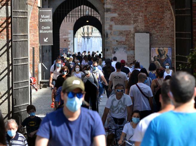 Spostamenti tra Regioni, l'indice di rischio e i dubbi sulla riapertura della Lombardia