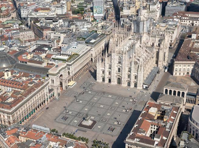 Facciate e portici di piazza Duomo riqualificati grazie a uno sponsor
