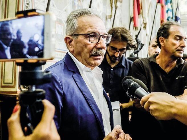 Le nomine nella Legnano leghista: «Promette i voti, assunta la figlia»